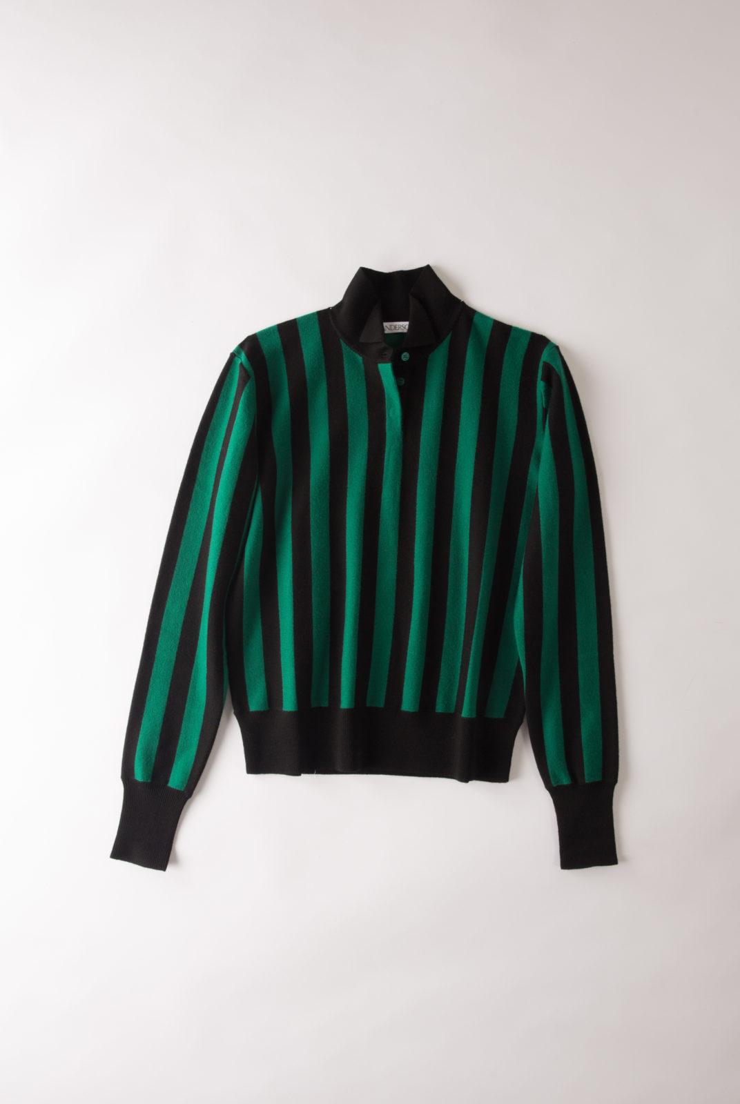 Pull Rayure, vert et noir, col montant, manches longues, fermeture à boutons, JWAnderson