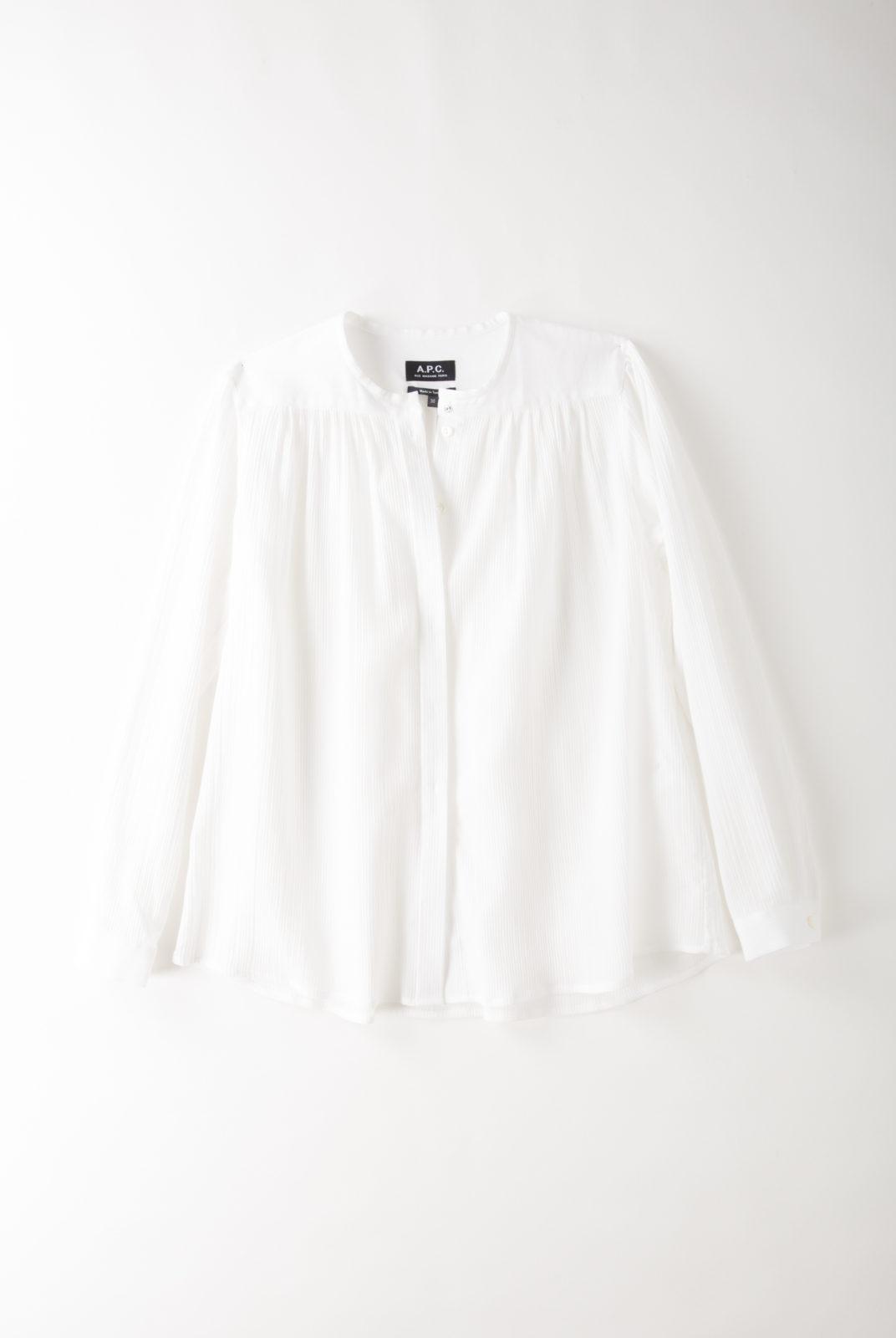 Blouse blanche en coton, col rond, matière fluide et légère, plis plat, APC