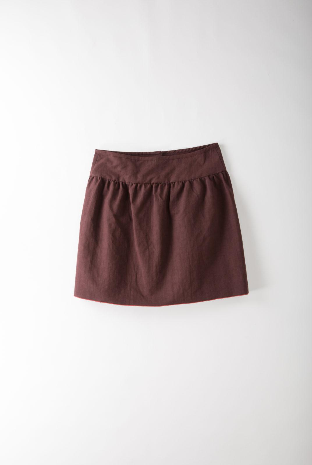 jupe, bordeaux, toile lin-coton, coupe évasée, fermeture boutonnée, apc