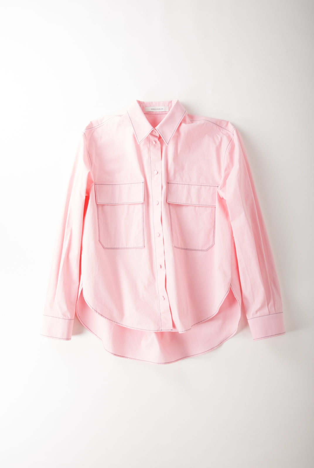 chemise, rose, couture contrastante bleu, poches poitrines, cedric charlier
