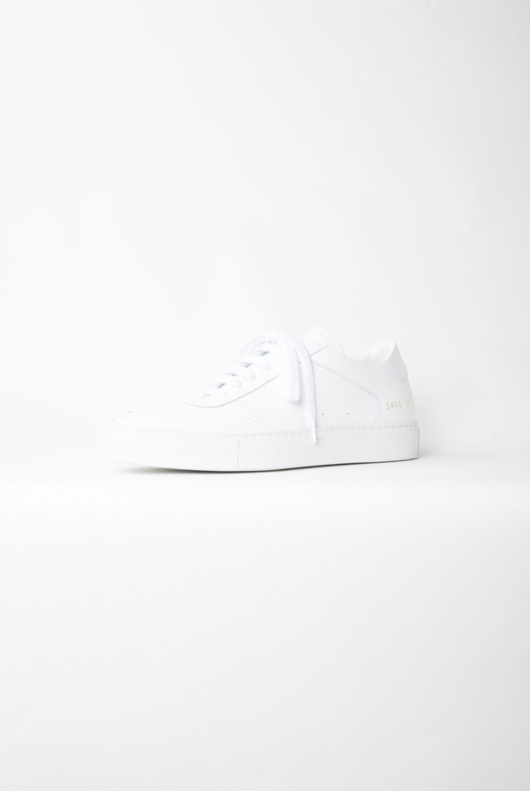 basket blanche à lacets, common projects